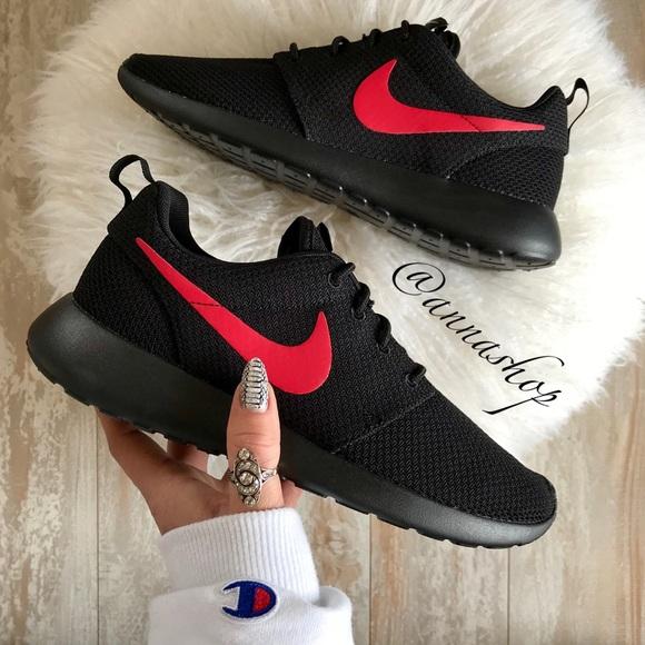 632eba6be179 NWT Nike ID Custom Roshe One
